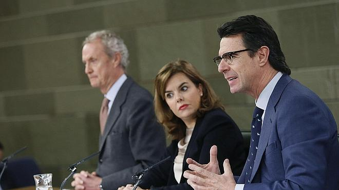 Soria «vigilará» de cerca el margen que obtienen las petroleras
