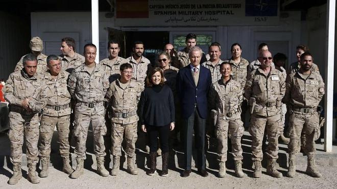 La vicepresidenta del Gobierno visita a las tropas en Afganistán