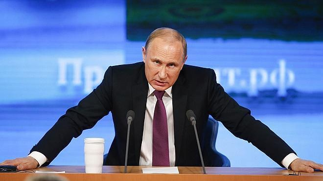 Obama firma una ley que autoriza sanciones a Rusia