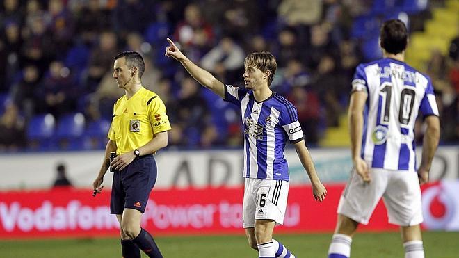 Un penalti salva al Levante en la prolongación