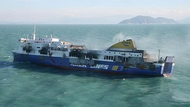 Comienzan las operaciones de remolque del 'Norman Atlantic' hacia Italia