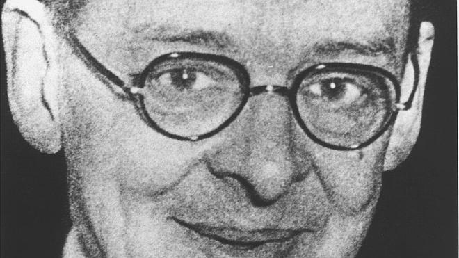 Medio siglo sin uno de los grandes poetas del siglo XX