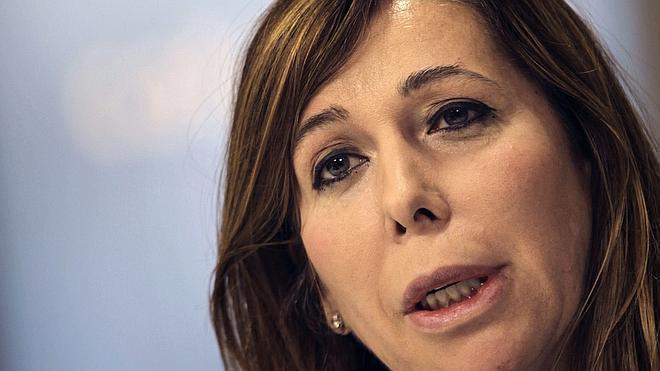Sánchez-Camacho ve «falso» el acuerdo Mas-Junqueras para convocar los comicios