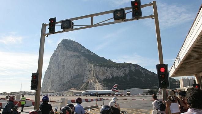 Gibraltar presiona en Bruselas contra su exclusión del Cielo Único Europeo