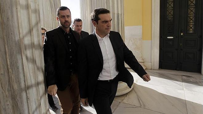 Syriza pide la mayoría absoluta para negociar con Bruselas sin ataduras