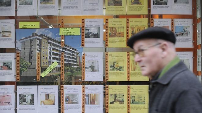 La firma de hipotecas sobre viviendas repunta un 14% y suma seis meses de ascensos