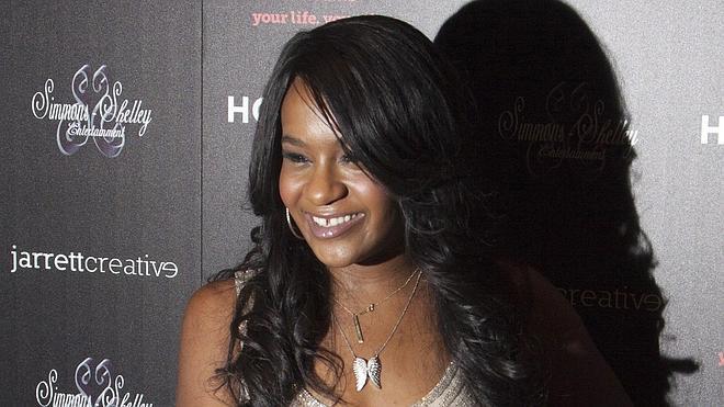La hija de Whitney Houston, al borde de la muerte