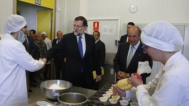 Rajoy: «Está de moda contar desgracias pero hay historias de éxito»