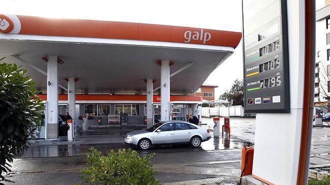 La gasolina y el gasóleo suman un mes al alza