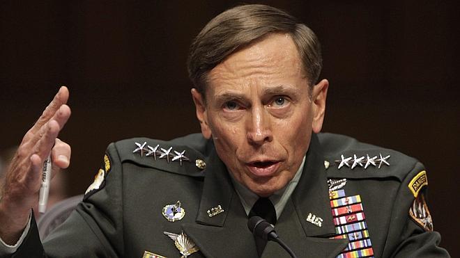 El exdirector general de la CIA se declara culpable de revelar información confidencial
