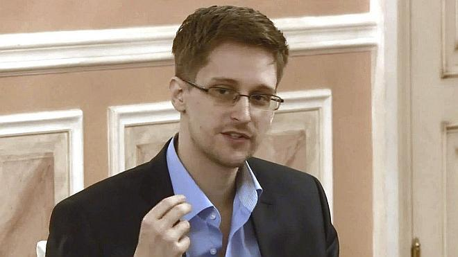 Snowden, dispuesto a volver a EE UU si se le garantiza un juicio justo