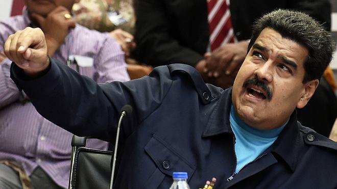 Maduro niega que trame un autogolpe para suspender las elecciones parlamentarias
