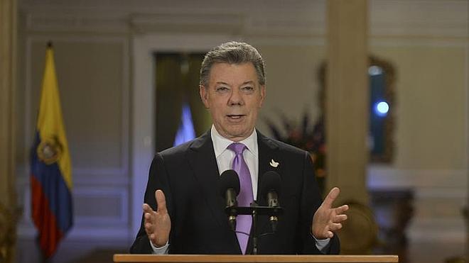 Santos ordena suspender los ataques contra las FARC durante un mes
