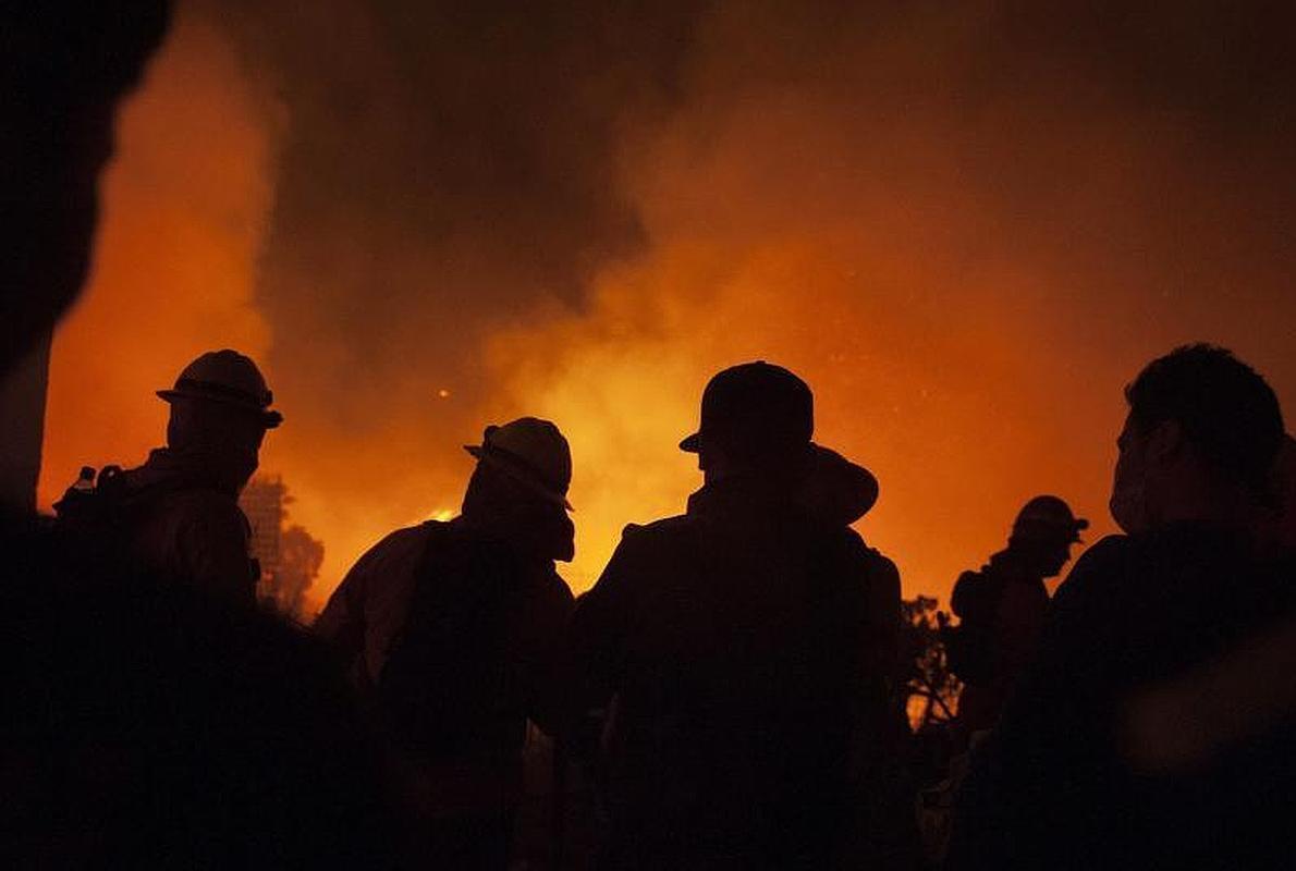 Las llamas devoran el puerto chileno de Valparaíso