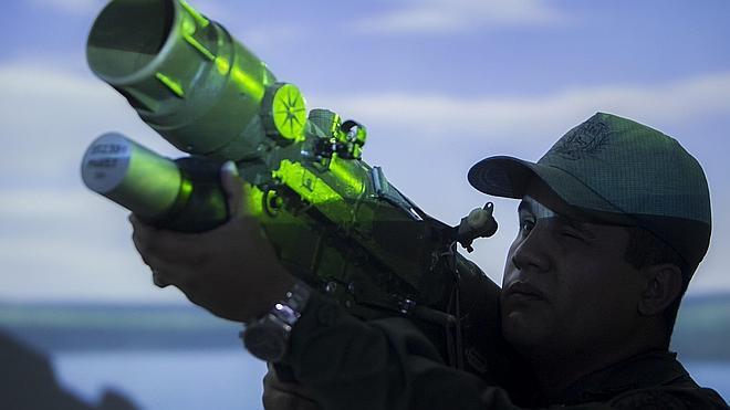 Venezuela responde a Obama con un masivo ejercicio cívico y militar de guerra