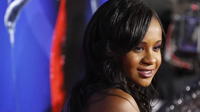 La hija de Whitney Houston, trasladada a un centro de rehabilitación