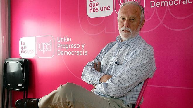 Otro representante del sector crítico deja la dirección de UPyD