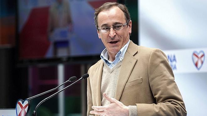 Alonso abre la posibilidad de pactar con Ciudadanos «si juega en el centro»