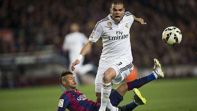Pepe sufre una lesión muscular en su muslo derecho