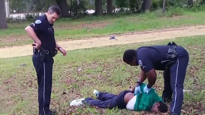 Líderes negros de EE UU exigen que la Policía lleve cámaras pegadas al cuerpo