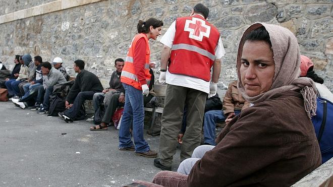 Rescatados 21 inmigrantes a bordo de una patera en Almería