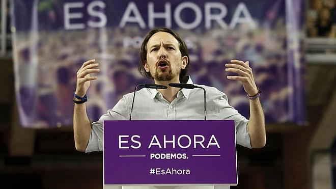 Iglesias acusa a Rajoy de ser «una avestruz con la cabeza en el suelo» y le pide que «dé la cara»