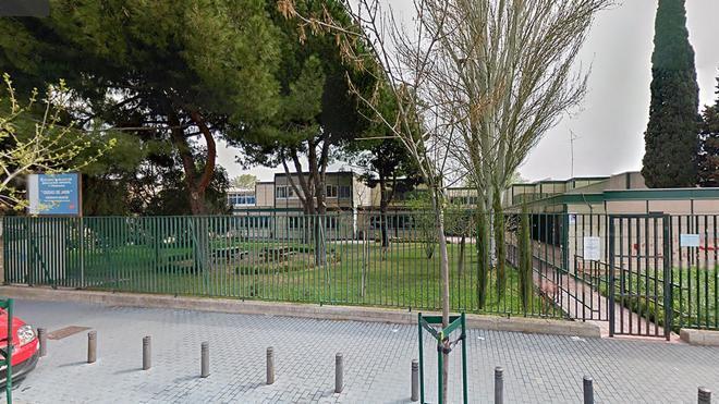Suspendido el director del instituto de Madrid en el que estudiaba la menor que se suicidó