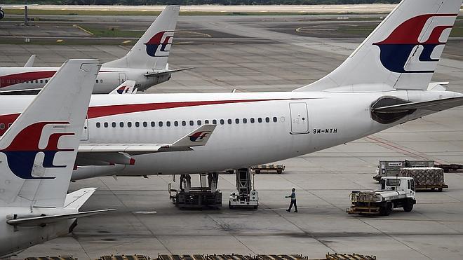 Malaysia Airlines, en quiebra técnica, suprimirá 6.000 empleos