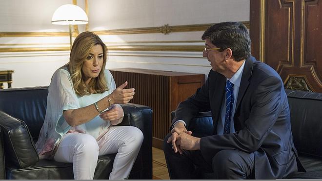 PSOE y Ciudadanos firman 70 medidas de transparencia, sociales y fiscales
