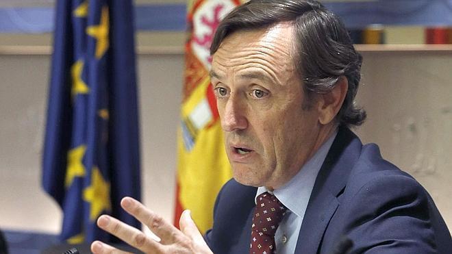 El PP insta a Ciudadanos a ser «igual de exigente» con el PSOE de los ERE que con ellos