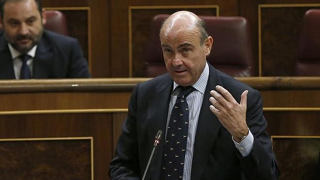 De Guindos resalta que el giro de la economía española es «único» en la OCDE