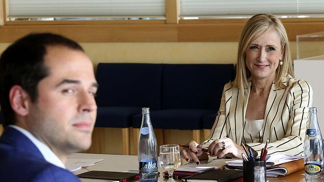 Cifuentes presidirá la Comunidad de Madrid con el apoyo de Ciudadanos