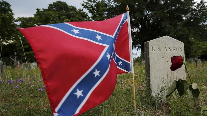 Virginia prohibirá las banderas confederadas en las matrículas de los coches