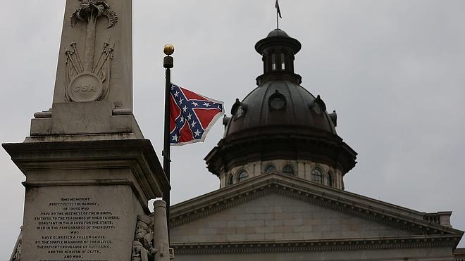 La gobernadora de Carolina del Sur insta a retirar la bandera confederada del Congreso Estatal