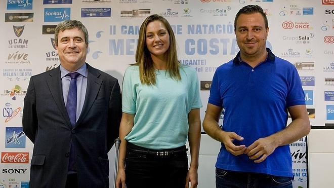 Melani Costa presenta su campus