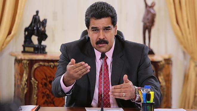 Maduro califica de «irritante» y «vomitiva» la visita de senadores españoles a Caracas