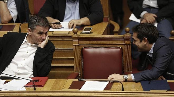 La Troika y Atenas inician negociaciones para el tercer rescate