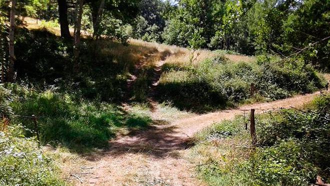 Un ciclista muere al topar con un cable colocado en una senda en Cantabria