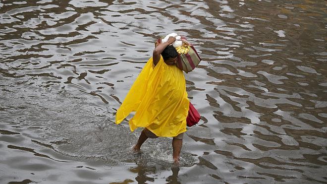 Al menos 85 muertos y 8 millones de afectados por las lluvias en la India