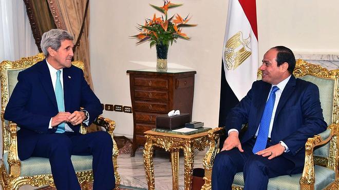Estados Unidos impulsa su relación con el régimen egipcio