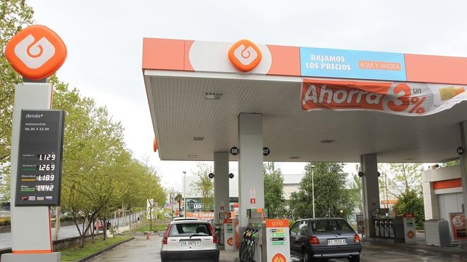 Los precios de la gasolina y del gasóleo se sitúan en mínimos del verano