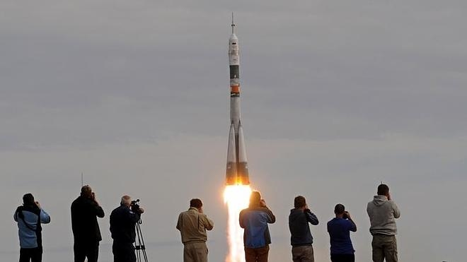 La nave Soyuz se acopla a la Estación Espacial Iinternacional