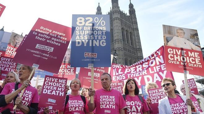 El Parlamento británico rechaza la Ley del Suicidio Asistido