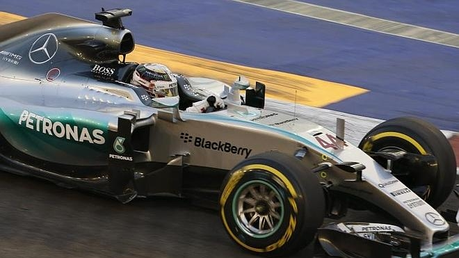 Y Mercedes claudicó