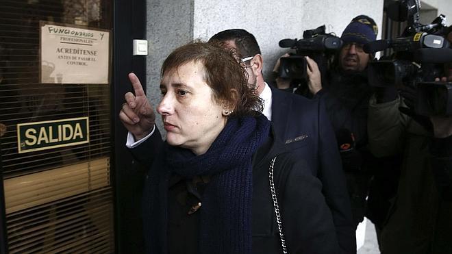 Archivan la querella de Teresa Romero por injurias contra el exconsejero de Sanidad de Madrid