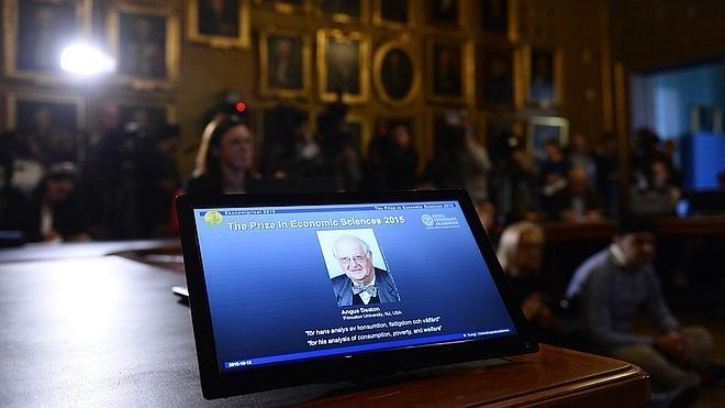 Angus Deaton gana el premio Nobel de Economía por su análisis de la pobreza