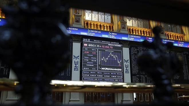 El ibex baja el 0,24 % y pierde el nivel de los 10.400 puntos