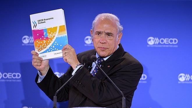 La OCDE eleva el crecimiento de España al 3,2% para 2015 y respalda al Gobierno en el déficit