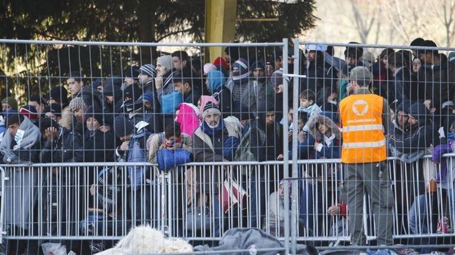 Eslovenia levantará barreras en la frontera con Croacia para frenar la llegada de refugiados