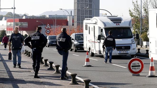 Siguen los controles en la frontera con Francia
